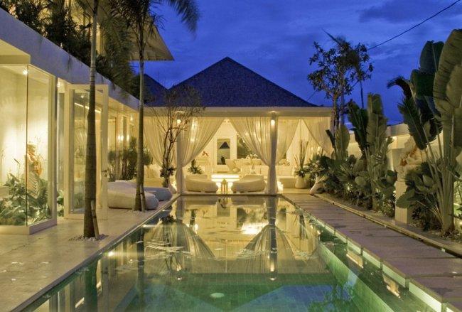 Puro Blanco Villa - 4 Bedrooms Villa - Bali Villa Rentals in Canggu