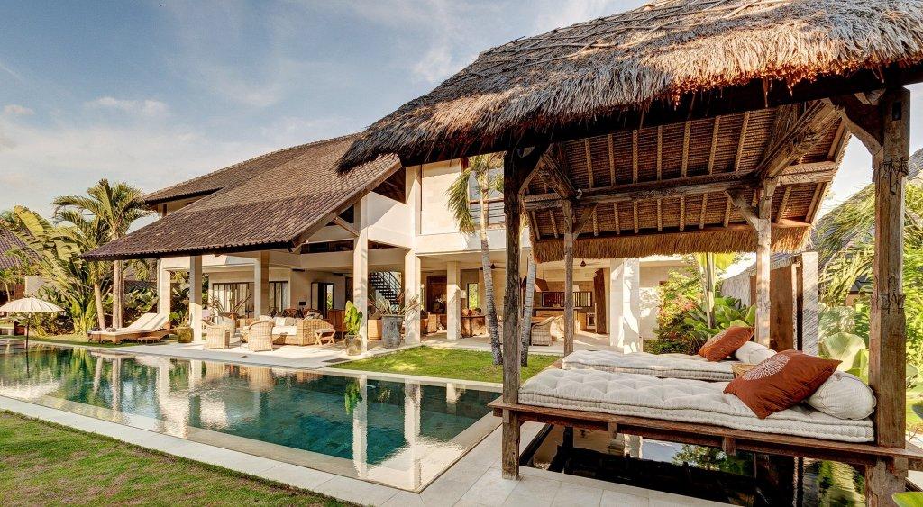 Villa Abaca Kadek - 5 Bedrooms Villa - Seminyak Luxury Villa