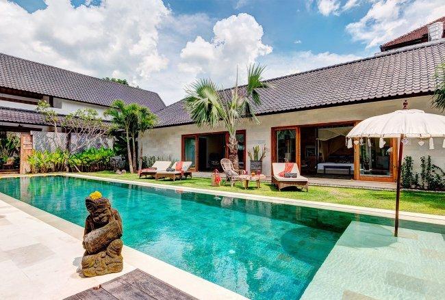 Villa Abaca Nyoman - 3 Bedrooms Villa - Bali Villa Rentals in Seminyak