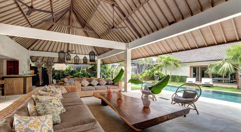 Villa Abaca Nyoman - 3 Bedrooms Villa - Seminyak Luxury Villa