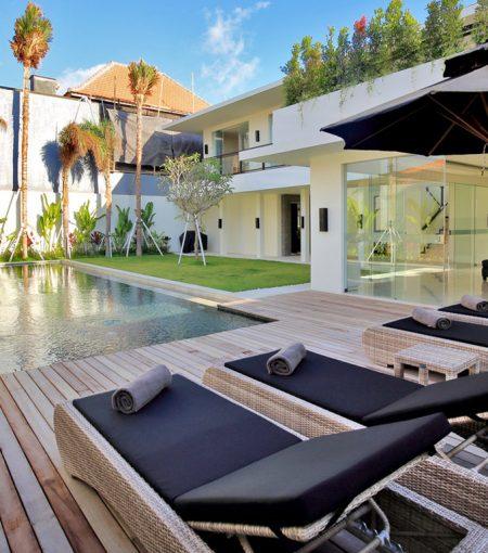 Aquila Villa Seminyak - 3 Bedrooms Villa - Bali Villa Rentals in Seminyak