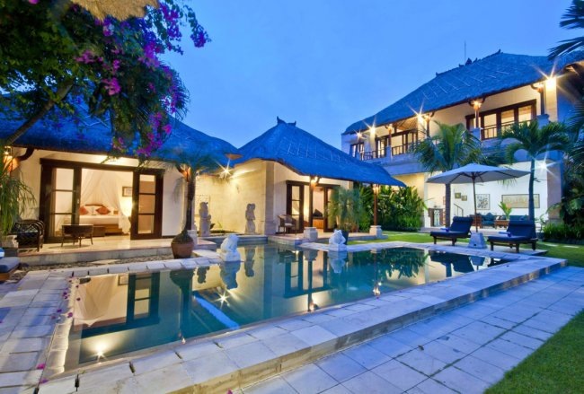 Arjuna Seminyak Villas - 4 Bedrooms Villa - Bali Villa Rentals in Seminyak