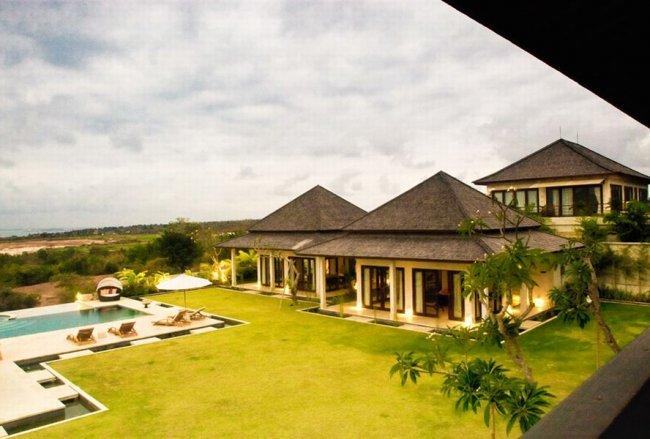 Bulan Putih Villa - 7 Bedrooms Villa - Bali Villa Rentals in Jimbaran