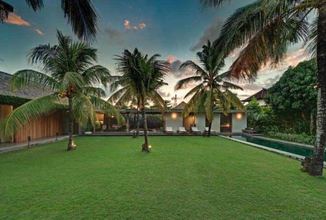 Cocogroove Seminyak Villas - 3 Bedrooms Villa - Kuta / Legian Luxury Villa