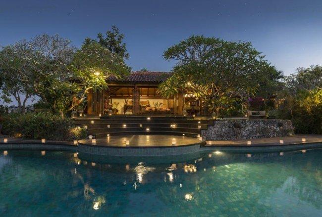 Villa East Indies - 5 Bedrooms Villa - Bali Villa Rentals in Canggu