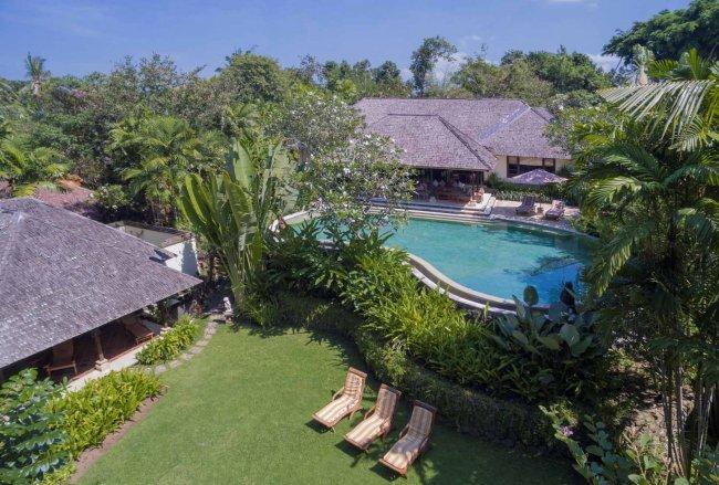 Frangipani Villa - 3 Bedrooms Villa - Jimbaran Luxury Villa