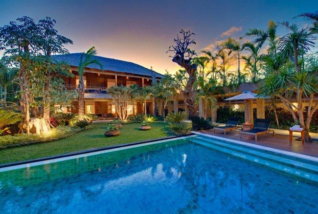 Villa Kinara - 6 Bedrooms Villa - Bali Villa Rentals in Seminyak