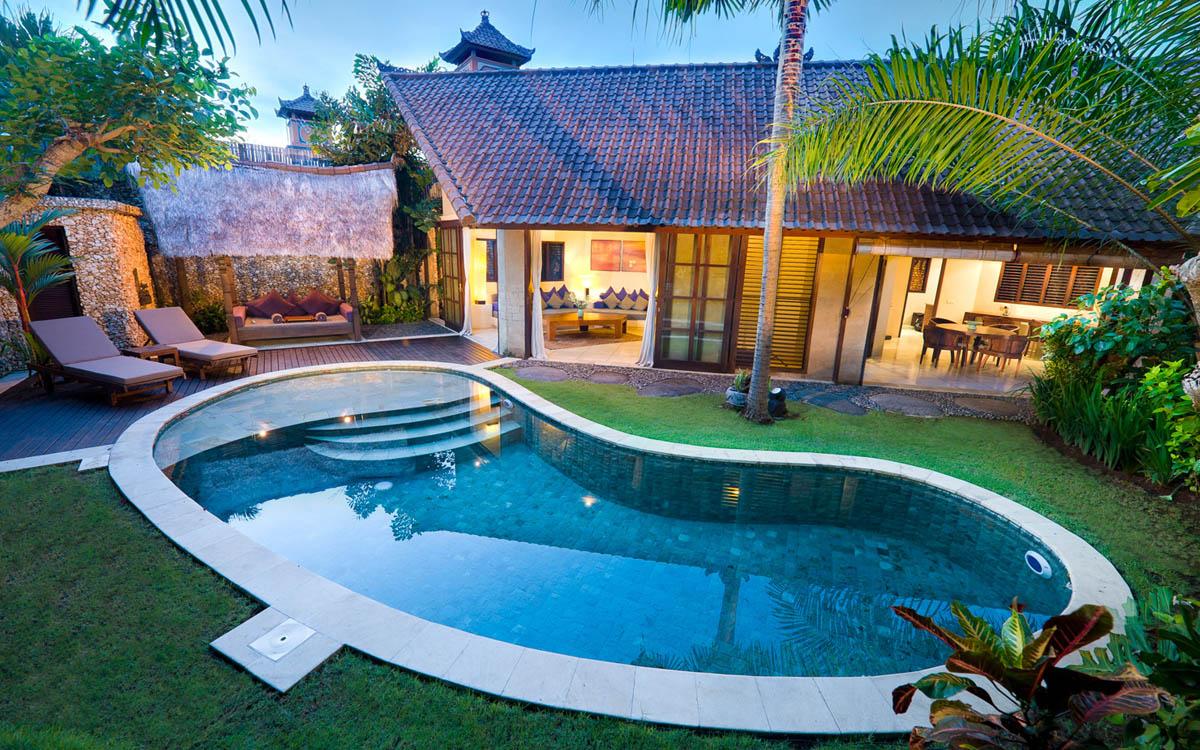 Swimming pool villa kubu seminyak bali bali villas for Villas with swimming pool