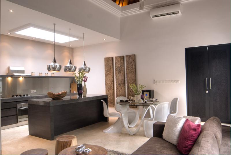 Villa Lanai Seminyak - 4 Bedrooms Villa - Seminyak Luxury Villa