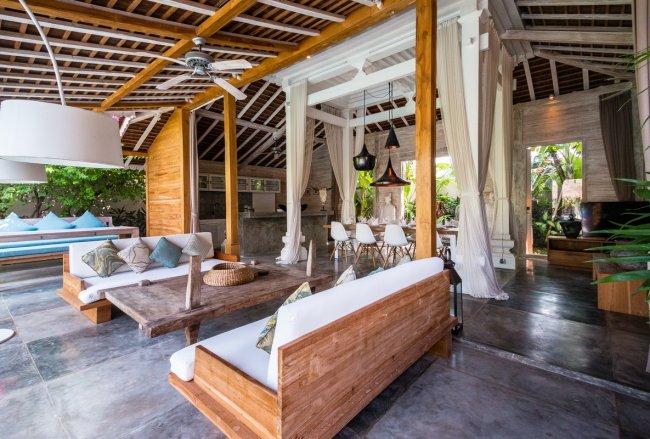 Villa Mannao Estate - 8 Bedrooms Villa - Bali Villa Rentals in Kerobokan
