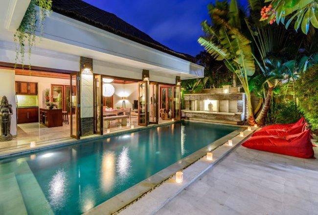 Menari Villa - 3 Bedrooms Villa - Bali Villa Rentals in Seminyak