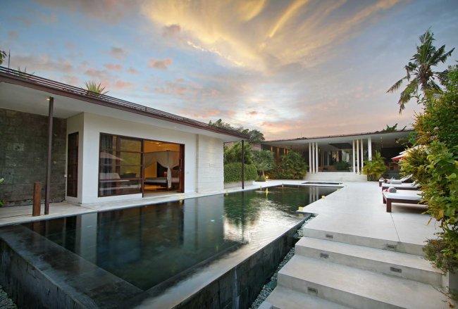 Villa Mona Bali - 5 Bedrooms Villa - Bali Villa Rentals in Seminyak