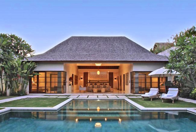 Nyaman Villas Seminyak - 10 Bedrooms Villa - Bali Villa Rentals in Seminyak