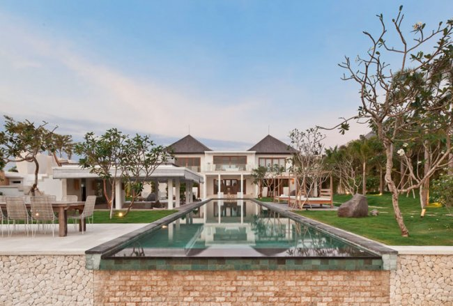Ombak Putih Villa - 5 Bedrooms Villa - Bali Villa Rentals in Badung