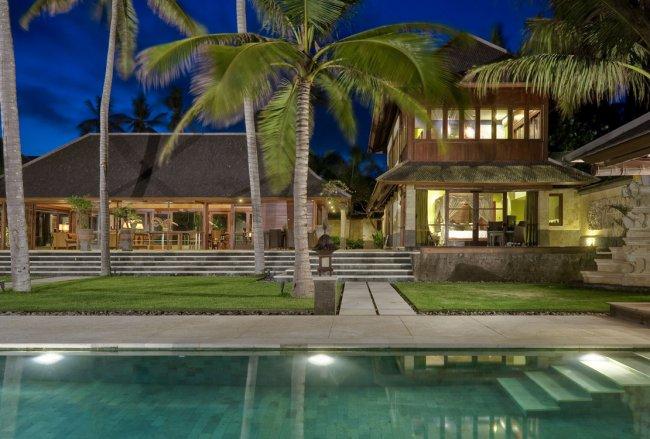 Pushpapuri Villa - 4 Bedrooms Villa - Bali Villa Rentals in Gianyar
