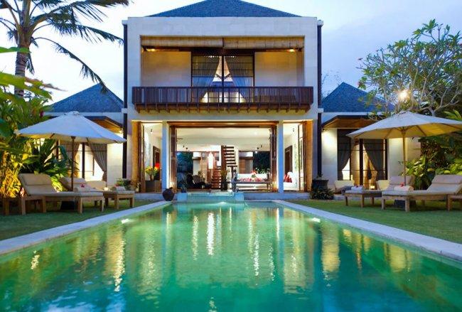 Raj Majapahit Villa - 3 Bedrooms Villa - Bali Villa Rentals in Gianyar