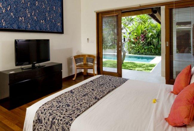 Villa Yelow Door - 2 Bedrooms Villa - Bali Villa Rentals in Seminyak