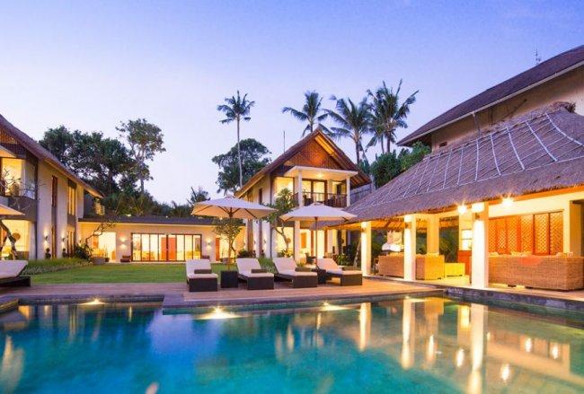 Seseh Beach Villa - 11 Bedrooms Villa - Bali Villa Rentals in Badung