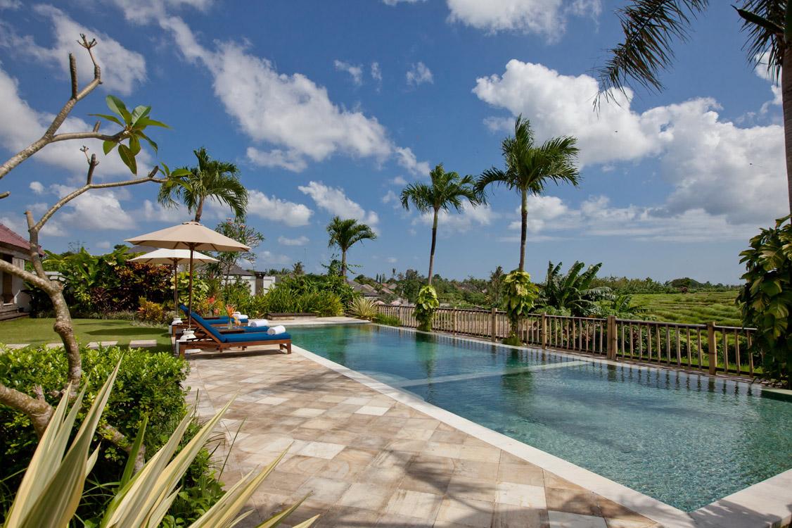 Swimming pool villa the junno canggu bali bali villas for Villas with swimming pool
