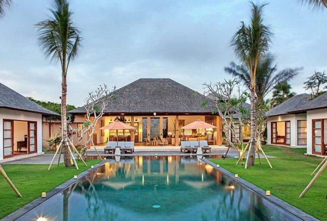Villa Tiga Puluh - 7 Bedrooms Villa - Bali Villa Rentals in Seminyak