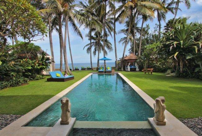 Villa Samudra – Beachfront Villas - 3 Bedrooms Villa - Bali Villa Rentals in Gianyar