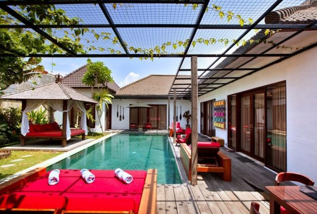 VILLA SAM SEMINYAK - 4 Bedrooms Villa - Bali Villa Rentals in Seminyak
